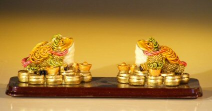 Two Frog Miniature Figurines